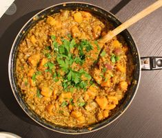 Linsencurry mit Süßkartoffeln #vegan - Tschaakii's Veggie Blog