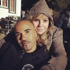 Cute shot of Shemar and Kirsten  Friends on & off set..