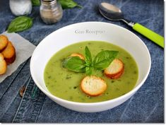 basil-cukkinikremleves, Food And Drinks, basil-cukkinikremleves. Eat Pray Love, Soups And Stews, Basil, Smoothies, Curry, Food Porn, Good Food, Food And Drink, Paleo