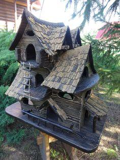 Купить Кормушка для птиц и белок - коричневый, дерево, кормушка для птиц, скворечник, ландшафтный дизайн