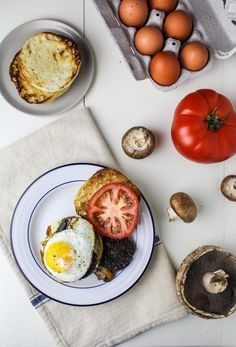 Full English Breakfast Sandwich with CBC English Muffins - Katie at the Kitchen Door Full English Breakfast Sandwich with Cobblestone English Muffins {Katie at the Kitchen Door} Bran Muffins, Breakfast Muffins, Breakfast Time, Fathers Day Brunch, Egg Dish, Ham And Cheese, English Muffins, Great Recipes, Sandwiches