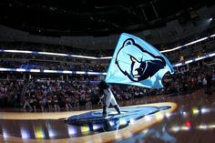 Which #Memphis player wore the number 31? Play against 1000s of #NBA fans on www.nbabasketballquizgame.com?utm_content=buffer62b4a&utm_medium=social&utm_source=pinterest.com&utm_campaign=buffer