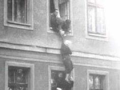 East Germans escaping East Berlin 1961 - YouTube