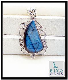 Labradorite silver Pendant Jewelry Riyo Gems www.riyogems.com