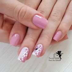 "35 Impressive Pink Nail Art Designs Ideas What are Pink and White Nails? In short, they are what's commonly referred to as a ""French manicure\"" -- pink […] Cute Pink Nails, Pink Nail Art, Cute Nail Art, Pretty Nails, Fingernail Designs, Nail Art Designs, White Acrylic Nails, Black Nail, Nagel Hacks"