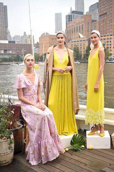 Lela Rose at New York Fashion Week Spring 2019 - Livingly New York Fashion, Runway Fashion, Fashion Models, Fashion Show, Fashion Outfits, Fashion Design, Women's Fashion, Lela Rose, Yellow Fashion