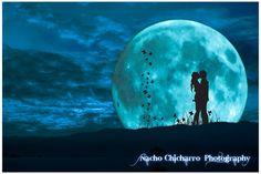 Enamorados y la Luna,A la Luz de la luna