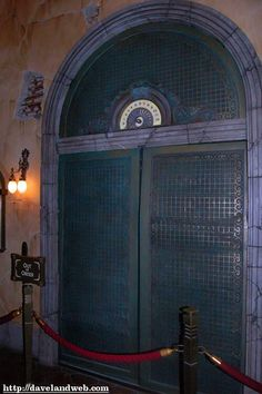 Hollywood Tower of Terror Hotel Spooky Halloween, Halloween Themes, Halloween Decorations, Halloween 2017, Halloween Crafts, Halloween Party, Hollywood Tower Of Terror, Hollywood Tower Hotel, Hollywood Party