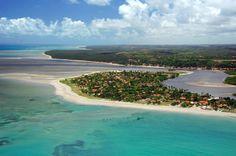 Vista aérea de Japaratinga, um dos municípios da Costa dos Corais, em Alagoas