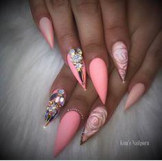 ❤Love this stiletto nail art idea #nails #nailart