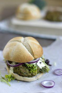 Een gezonde burger die lekker is. Bestaat dat? Nou, volgens mij wel! Deze tonijnburgers met broccoli zijn namelijk aardig gezond. En aardig lekker! Ik…
