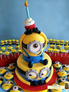 Torta, Cupcakes, e Marshmallow pops con i Minions