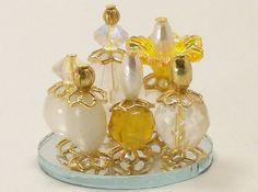 Dollhouse Miniature Perfume Bottle Collection Golden Elegance Yellow Gold One Inch Scale op Etsy, 14,70 €