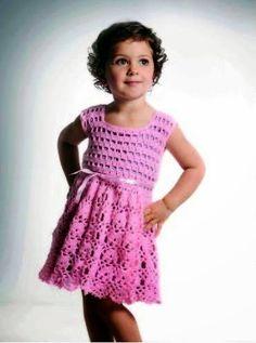 CROCHE COM RECEITA: Vestido rosa em crochê para a menina