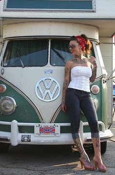 Vw van ,pin up girl Volkswagen Transporter, Auto Volkswagen, Vw T1, Volkswagen Group, Volkswagen Minibus, Pin Up Vintage, Vw Vintage, Look Rockabilly, Rockabilly Fashion