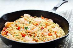 Skinny Shrimp Scampi - 15 Healthy Pasta Recipes to Mix It Up at Dinnertime Healthy Pasta Recipes, Healthy Pastas, Healthy Cooking, Seafood Recipes, Healthy Eating, Cooking Recipes, Healthy Food, Diet Recipes, Recipies