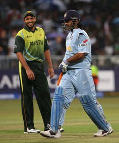 India and Pakistan will play cricket again after five years. The cricket  boards of the two countries have agreed to play three One-Day  Internationals and two Twenty20 Internationals in December this year.