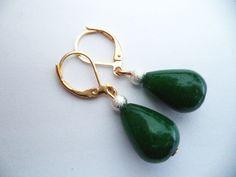 Ohrringe Hänger smaragdgrüne Jade Tropfen Brisuren vergoldet Ohrhänger grün d78
