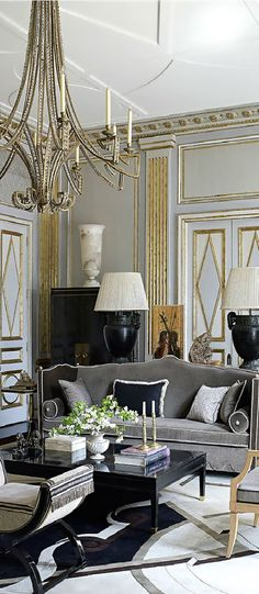 beautiful interior in Hollywood regency style: black and silver