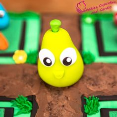 Farm Heroes Super Saga Cake, with a SUPER cropsie made from fondant and iPad Giveaway!