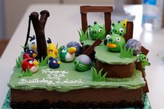 Angry Birds Or Naughty Piggy Cake Ideas And Inspiration cakepins.com