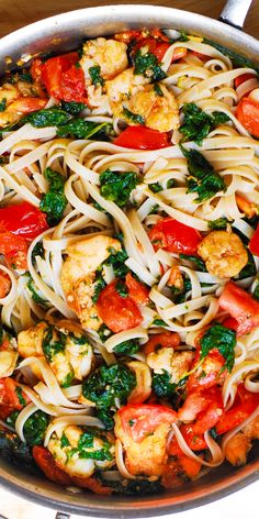 Healthy dinner recipes 515451119854661624 - Shrimp Pasta with Tomatoes, Spinach, and Garlic Butter Sauce. This refreshing dinner will become your family favorite recipe! Lots of vegetables, combined with comfort food ingredients. Source by juliasalbum Seafood Pasta, Shrimp Pasta Recipes, Shrimp Dishes, Seafood Dinner, Fish Recipes, Pasta Dishes, Seafood Recipes, Dinner Recipes, Cooking Recipes