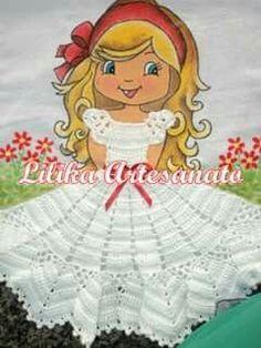 Resultado de imagem para croche vestido boneca pano de prato Crochet Girls, Cute Crochet, Beautiful Crochet, Crochet Baby, Knit Crochet, Crochet Towel, Crochet Doilies, Applique Patterns, Crochet Patterns