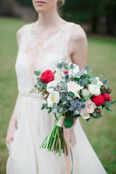 Romantic bouquet: http://www.stylemepretty.com/2015/03/31/winters-dawn-wedding-inspiration-shoot/ | Photography: Mary Alice Hall  - www.maryalicehall.com