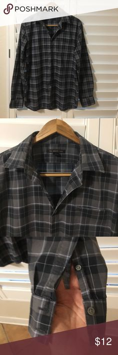 John Varvatos Fitted Button Down Shirt Size M John Varvatos is famous not only for great styles, but also exceptional quality materials. This shirt is 100% Cotton and extremely lightweight and very soft to the touch. John Varvatos Shirts Casual Button Down Shirts