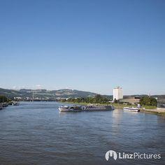 Abfahrt ... . . . #donaupark #linz #riverdanube #igerslinz #linzer #upperaustria #travel #cruiseship #skyline #view #feinstaub #touris #donau #tourism #stopandgo #allinclusive #tour #wachau #wien #vienna #igersvienna #igersaustria #visitaustria #wasser #thursday