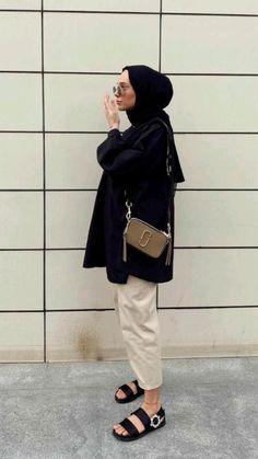 Hijab Fashion Summer, Modern Hijab Fashion, Street Hijab Fashion, Modesty Fashion, Hijab Fashion Inspiration, Muslim Fashion, Hijab Casual, Casual Outfits, Fashion Outfits