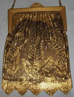 ~Whiting & Davis~Gold Mesh Purse~Circa 1950s~