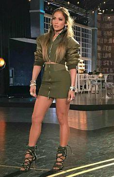 Dicas para parecer mais jovem da Jennifer Lopez que aos 47 anos aparenta 35