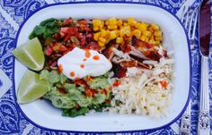 Skinny Crispy-Chicken Burrito Bowls - The Londoner Chicken Burrito Bowl, Burrito Bowls, Chicken Burritos, Healthy Cooking, Healthy Eating, Healthy Recipes, Free Recipes, Low Gi Foods, Crispy Chicken