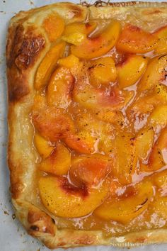 "Peach Tart-pinner quote "" I love peaches and this sounds a lot easier then pie due to the use of puff pastry/Awesome. I just rolled my puff pastry out to fit my cookie sheet, folded up the sides and put on parchment paper. Easy To Make Desserts, Delicious Desserts, Yummy Food, Best Summer Desserts, Dessert Healthy, Summer Fruit, Brownie Desserts, Pie Dessert, Dessert Recipes"