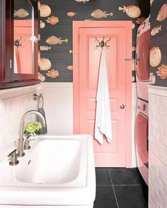 Interior Design Ideas Brooklyn Willis Design Associates Park Slope is part of Powder room wallpaper - Colorful Interior Design, Interior Design Magazine, Bathroom Interior Design, Colorful Interiors, Interior Design Wallpaper, Designer Wallpaper, Interior Door, Colourful Home, Interior Design Themes