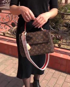 Louis Vuitton 2017, Louis Vuitton Shoes, Louis Vuitton Handbags, Louis Vuitton Monogram, Fendi, Gucci, Louis Vuitton Crossbody Bag, Vuitton Bag, Dior