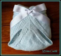 En lana, perlé y angora para bebé: Tutorial cubre-pañal azul. Primera puesta Knitting For Kids, Baby Knitting, Crochet Baby, Knit Crochet, Handmade Baby, Baby Sewing, Diy For Kids, Baby Dress, Knitting Patterns