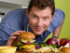 Chef Bobby Flay discusses the best way to make a burger and shares his recipes from his latest cookbook, Burgers, Fries, and Shakes. Chef Bobby Flay, Bobby Flay Recipes, Food Network Star, Food Network Recipes, Bobby Burgers, Burger Buns, Burger Palace, Barbecue Sauce, Bbq Sauces