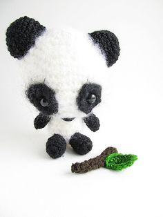 Little Things Blogged: {Amigurumi Miku the Panda Pattern}