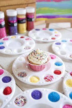 Shopkins Birthday Party - Decorate your own cupcake activity. Trolls Birthday Party, Troll Party, Birthday Party Snacks, Birthday Treats For School, Rapunzel Birthday Party, Happy 5th Birthday, Birthday Fun, Crafts For Birthday Parties, Girl Birthday Party Themes