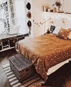 Warm Bedroom Ideas 5119553876 Super lovely strategies to create a captivating cozy bedroom decorating ideas fairy lights Warm Bedroom, Bedroom Inspo, Room Decor Bedroom, Dorm Room, Bedroom Ideas, Design Bedroom, Bohemian Bedroom Design, Dream Rooms, Dream Bedroom