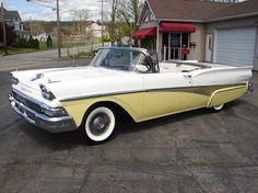 1958 Ford Skyliner Retractable hardtop - Lemon Yellow & White Convertible