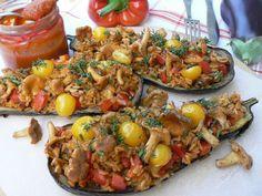 Pieczony bakłażan z pomidorowym ryżem i kurkami / http://www.doradcasmaku.pl/przepis/309898/pieczony-baklazan-z-pomidorowym-ryzem-i-kurkami.html