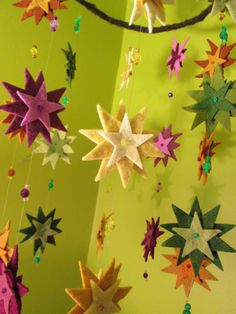 One group of three stars would be a fab lucky dip item Stars for gazing and wishing, mobile of wool felt Diy Projects To Try, Craft Projects, Sewing Projects, Noel Christmas, Christmas Ornaments, Felt Crafts, Diy Crafts, Felt Mobile, Star Mobile