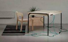 Un ufficio che auto-produce energia? E' realtà, grazie allo studente svedese Eddi Tornberg, il quale ha creato uno spazio di lavoro che produce l'energia necessaria per far funzionare tutti i gadget elettronici che ci servono per le consuete attività quotidiane. La sua invenzione si chiama Unplugged.