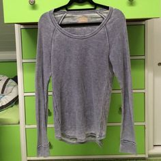 Chaser Long Sleeve Chaser Long Sleeve. Super cute and comfy. Perfect condition, Chaser Tops Tees - Long Sleeve