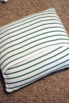 t-shirt to pillow diy tutorial - Use with my old concert shirts