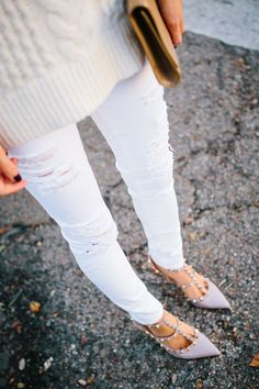Ivory Cableknit Sweater, Distressed White Denim, Pink - Tan - Taupe - Neutral - Gold Accents  #fall #fashion / white knit