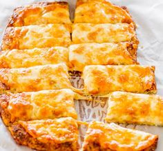 Makes twelve @ 1 smart point each Weight Watchers Recipes | Cauliflower Breadsticks Queijo Low Carb, Pizza, Low Carb Biscuit, Cauliflowers, Drop Cookie Recipes, Oatmeal, Crack Crackers